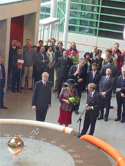 Launching of Foucault's pendulum in the Huygens building by queen Beatrix; photo ESP